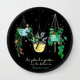 To plant a Garden Wall Clock