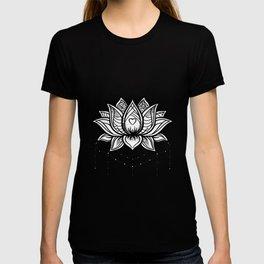Lotus zentangle design T-shirt