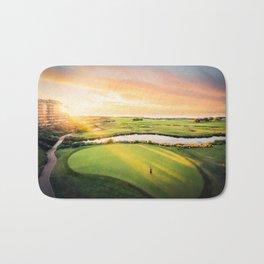Golfing at the 'Gong Bath Mat