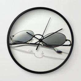 MINIMAL - GLASSES - CIRCLE - LIGHT - TRANSMITTANCE - GLASS - MODERN Wall Clock