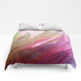 Ranuculus Up Close #1 Comforters