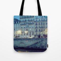 Paris by Night: Ile de la Cite Tote Bag