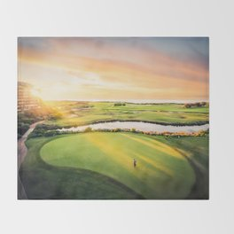 Golfing at the 'Gong Throw Blanket