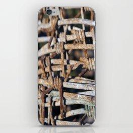 Miradas ocultas iPhone Skin