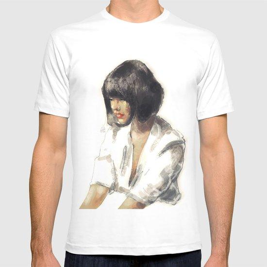 outro. T-shirt