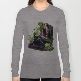 Protector of ancient tempels Long Sleeve T-shirt