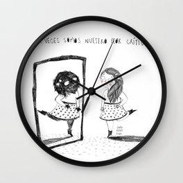 Eres tu propio monstruo Wall Clock