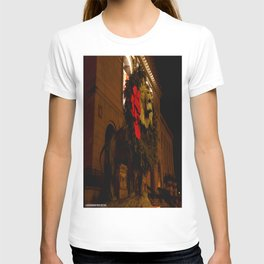 Chicago's Lions in Winter #3 (Chicago Christmas/Holiday Collection) T-shirt