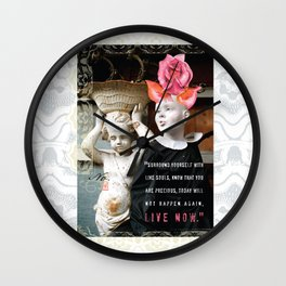 Live Now  Wall Clock