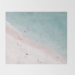 beach family love Throw Blanket