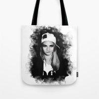 cara delevingne Tote Bags featuring Cara Delevingne by BeckiBoos