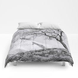 ON THE BRINK (graphite) / Møns Klint, Denmark Comforters