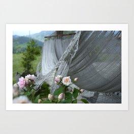 descanso entre rosas Art Print