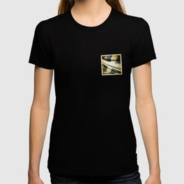Quebec (Canada) grunge sticker flag T-shirt