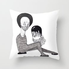 Desmembrado Throw Pillow