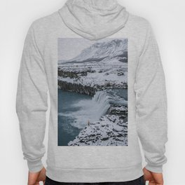Waterfall in Icelandic highlands during winter with mountain - Landscape Photography Hoody