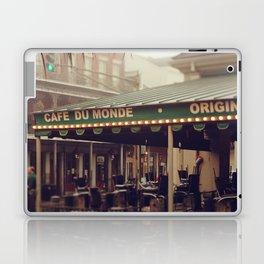 Foggy Cafe Du Monde Laptop & iPad Skin