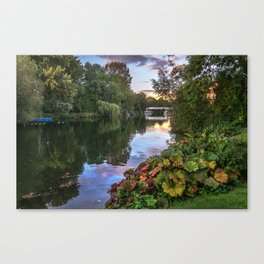 The Thames At Pangbourne Canvas Print