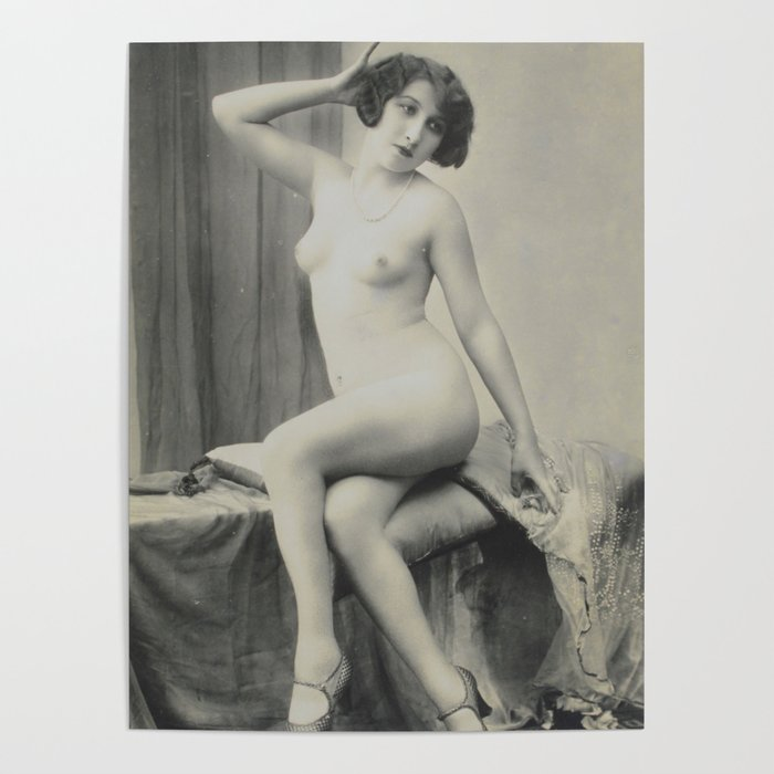 First nude women in movy