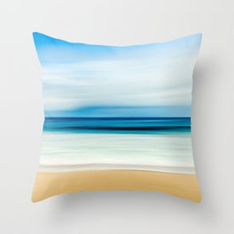Peaceful ocean waves Throw Pillow