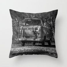 VwT2-n.11 Throw Pillow