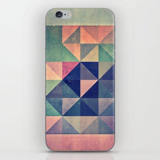 chyym xryym iPhone & iPod Skin