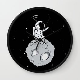 Astronot Handy Talkie Wall Clock