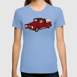 Best Labrador Buddies In Old Red Truck T-shirt