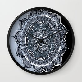 Illusion of the pattern Wall Clock
