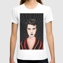 Lady with short hair T-shirt