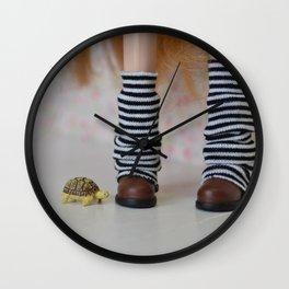 Tortoise love - Blythe doll #11 Wall Clock