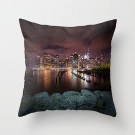 MANHATTAN SKYLINE Evening Atmosphere in New York City Throw Pillow