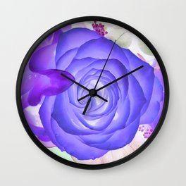 Violeta Florecer Wall Clock