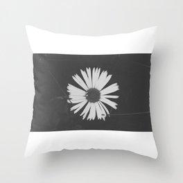 vsco flower Throw Pillow