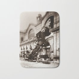 Train Derailment At Montparnasse Station - 1895 Bath Mat