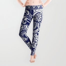 damask in white and blue Leggings