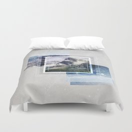 Inspiring mountain Duvet Cover