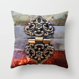 Katniss Throw Pillow