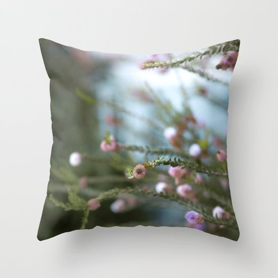softly open our mouths Throw Pillow