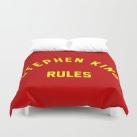 stephen king Duvet Covers featuring Stephen King Rules by Caroline Blicq