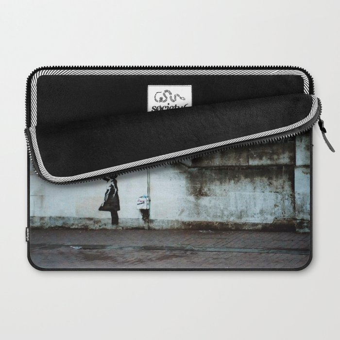 Banksy street art / photograph - girl with red ballon Laptop Sleeve