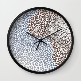 Pattern seampless leopard fur and face with map of Africa Wall Clock
