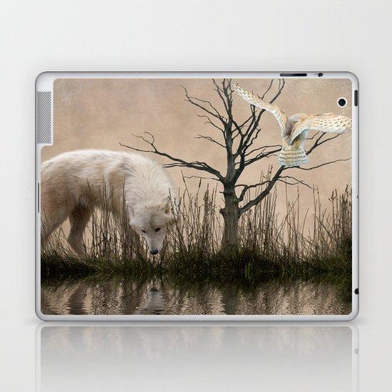 Woodland wolf reflected Laptop & iPad Skin