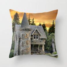 Fairtytale Gatelodge Throw Pillow