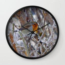 Robin in Winter | Rotkehlchen im Winter Wall Clock