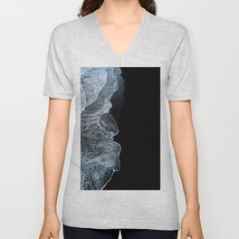 Waves on a black sand beach in iceland - minimalist Landscape Photography Unisex V-Neck