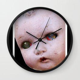 Red-Eyed Mentalembellisher Halloween Doll Wall Clock