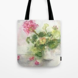 Beaux Geraniums Roses Tote Bag