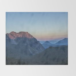 Dawn Color at Inspiration Point Throw Blanket