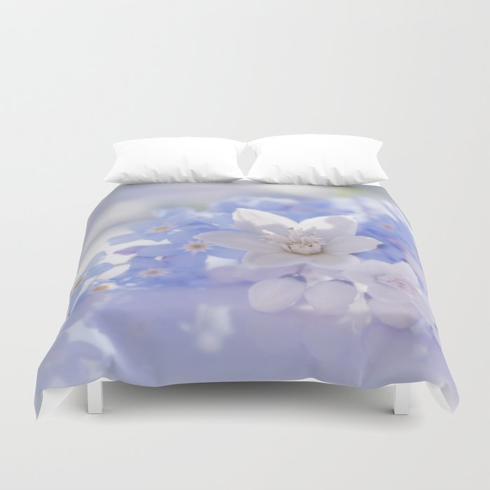 Queen and court- Spring flowers in blue and white - Stilllife Duvet Cover